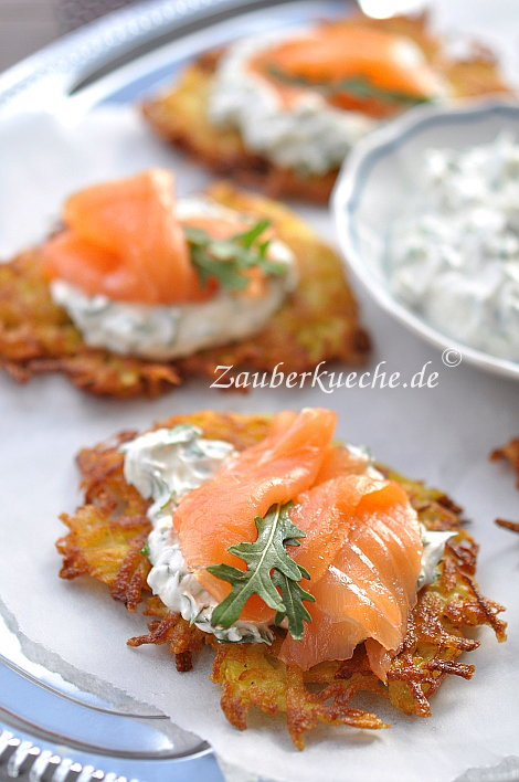 knusprige kartoffelpuffer mit lachs. Black Bedroom Furniture Sets. Home Design Ideas