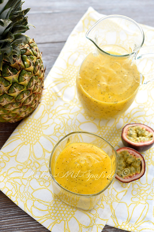Mango- Ananas- Passionsfrucht- Smoothie